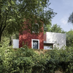 Rehabilitation and extension of a rural home